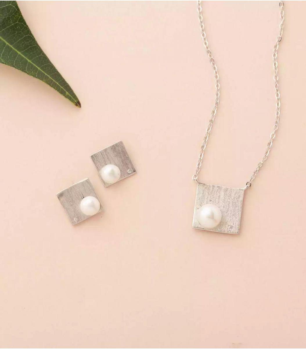 Silver Pearl Pendant Set (Rose Polish) FJ1800825